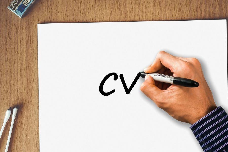 Jak napisać CV – przydatne porady i wzór