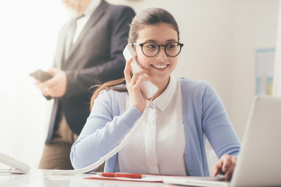 Sekretarka – obowiązki, wymagania, zarobki, kwalifikacje